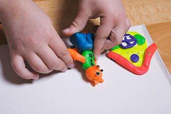 Учим ребенка лепить из пластилина 1